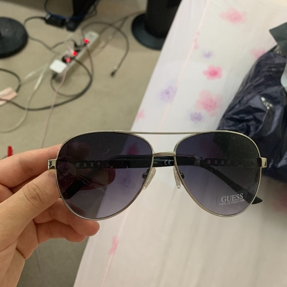 NWT Guess sunglasses